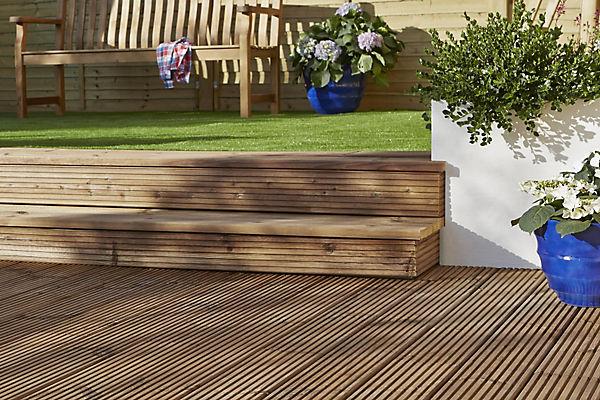 decking outdoor garden ideas advice diy at b q. Black Bedroom Furniture Sets. Home Design Ideas
