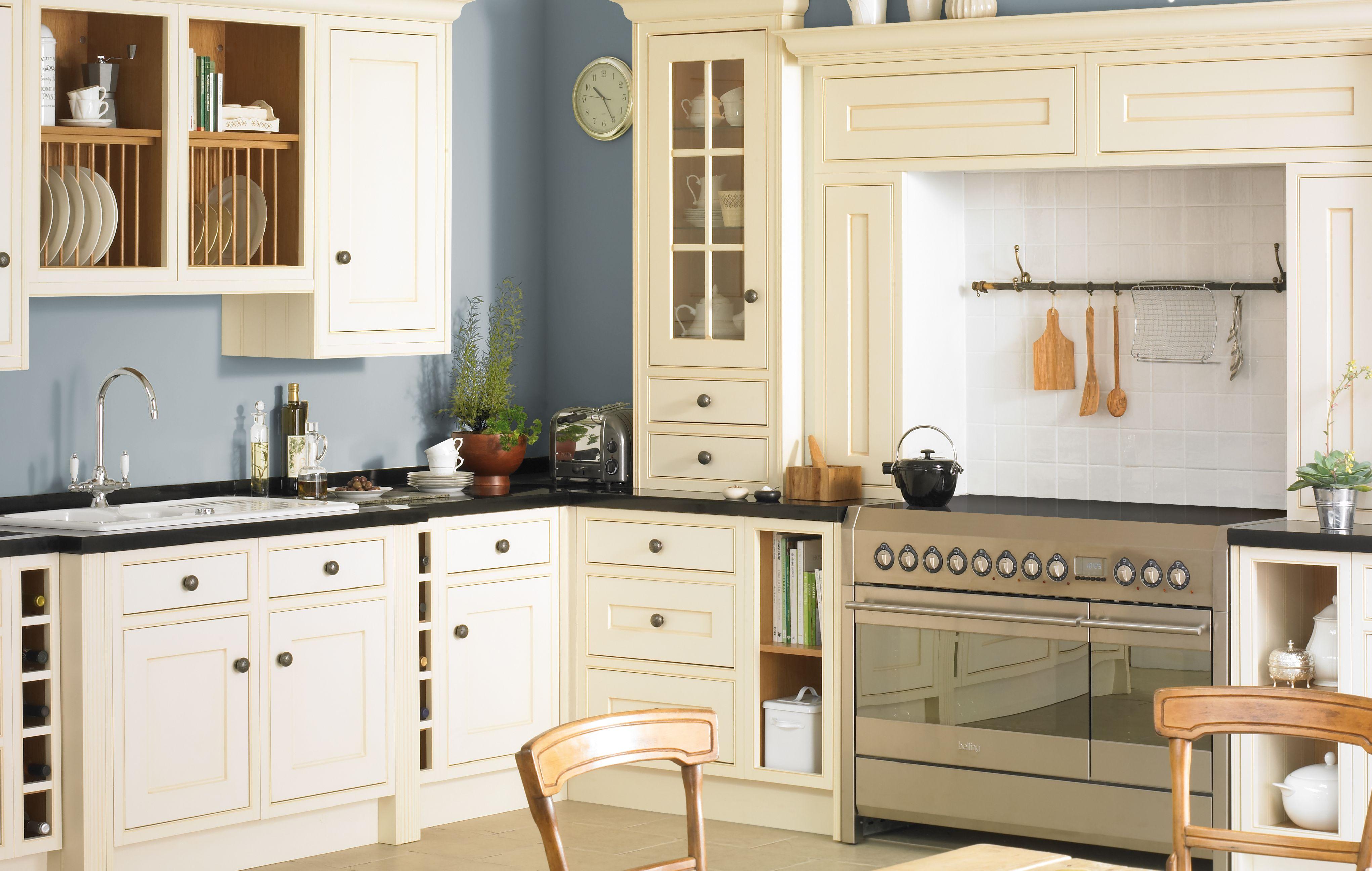 vintage kitchen design ideas help ideas diy at b q cooke lewis woburn framed kitchen