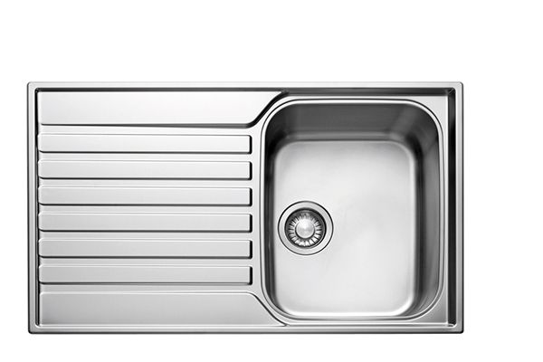kitchen sinks b and q kitchen sinks metal amp ceramic kitchen sinks diy at b amp q 8587