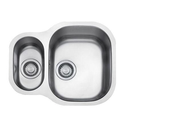 Washing Cat Bowls In Kitchen Sink