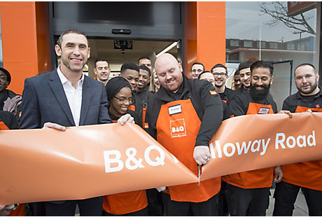 Martin Keown opening B&Q Holloway Road