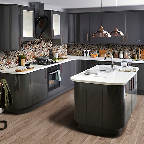 Metallic kitchen with Santini Anthracite kitchen