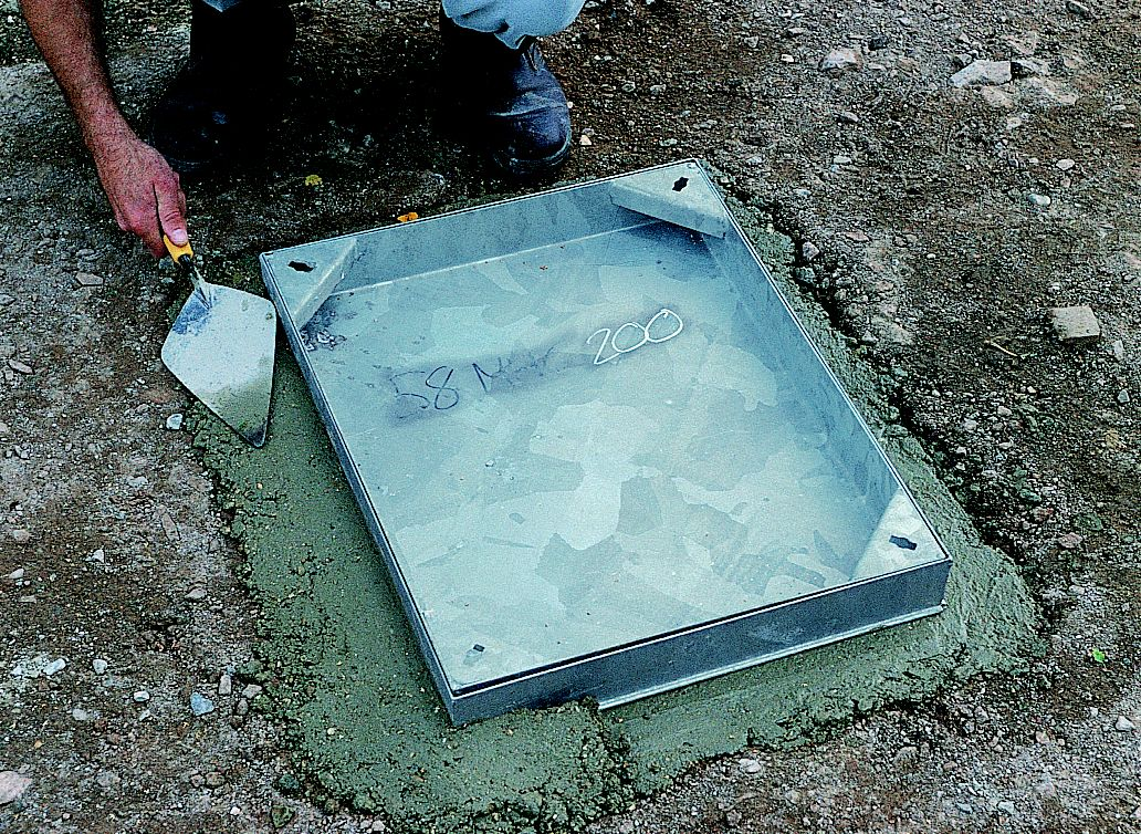 How to build a manhole cover ideas advice diy at b q for Concrete advice