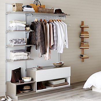 Oppen open storage in a bedroom