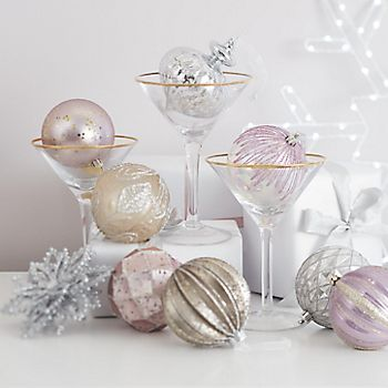 Champagne and dusky pink decorations