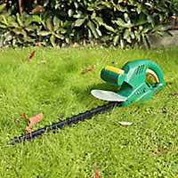 B&Q FPHT450 450W 450mm Corded Hedge trimmer