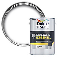 Dulux Trade Diamond Pure brilliant white Eggshell Metal & wood paint, 2.5L