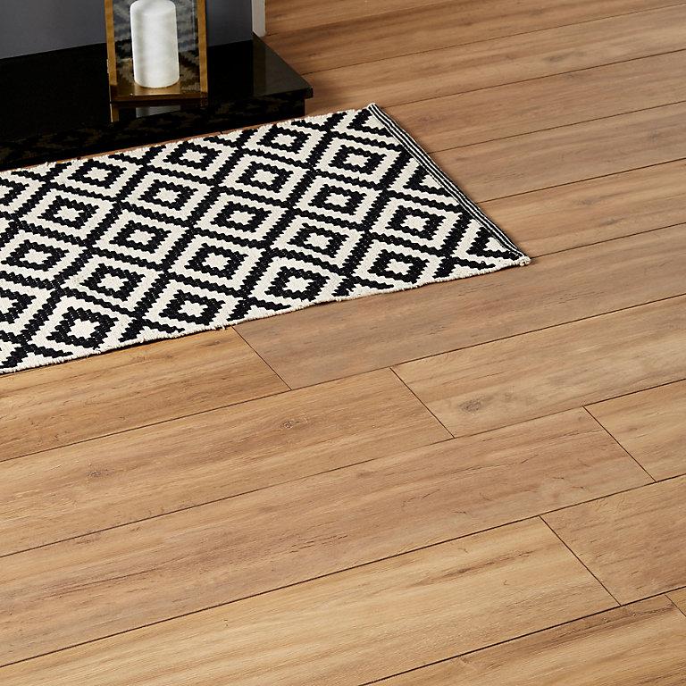 Goodhome Devonport Natural Oak Effect, Kitchen Laminate Flooring B Q