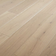GoodHome Hotham Whitewashed Oak Real wood top layer flooring, 1.4m² Pack