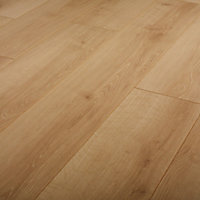 GoodHome Malton Natural Oak effect Laminate Flooring, 1.746m² Pack