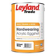 Leyland Trade Brilliant white Eggshell Emulsion paint 5L