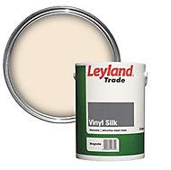 Leyland Trade Magnolia Vinyl silk Emulsion paint 5L
