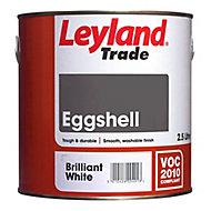 Leyland Trade Pure brilliant white Eggshell Metal & wood paint, 0.75L