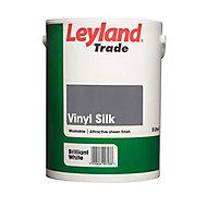 Leyland Trade Tradesman Trade White Silk Emulsion paint 5L