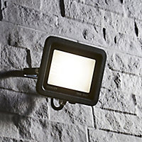 Stanley Black Mains-powered Cool white LED Floodlight 1600lm